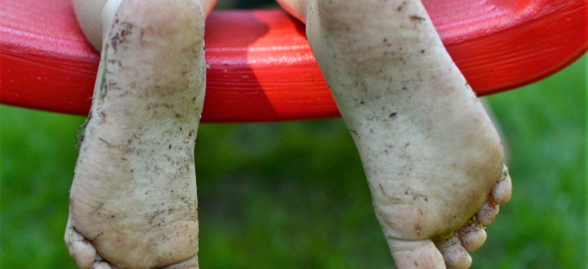 Barfuß ist am besten … und trotzdem braucht man Schuhe
